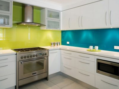 back-painted-glass-kitchen-backsplash-1