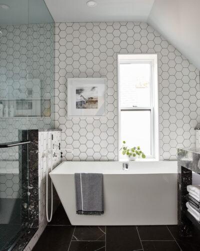 HGTV Canada: Sarah Off the Grid – Season 2 - Master Bathroom - June 2019