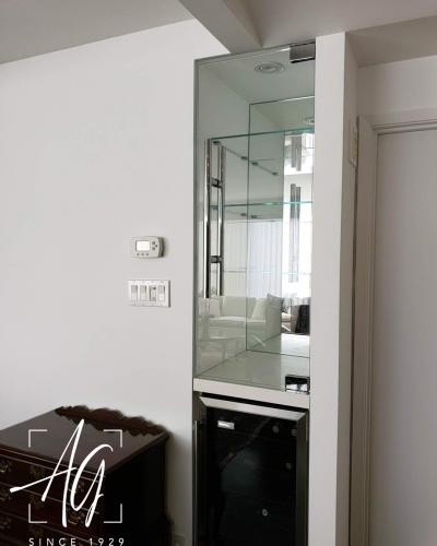 Custom Glass Cabinet & Shelving