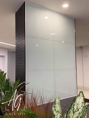Backpainted Glass Pillar Walls