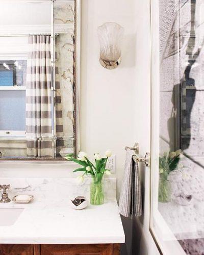 Sarah Richardson - Big Bath, Small Space - Mirror & Rosettes 2