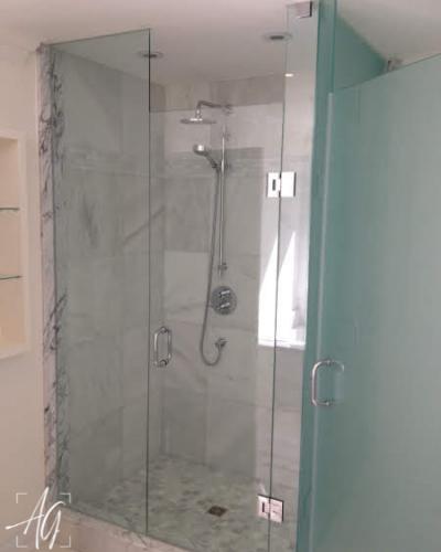 Shower Enclosure & Toilet Room
